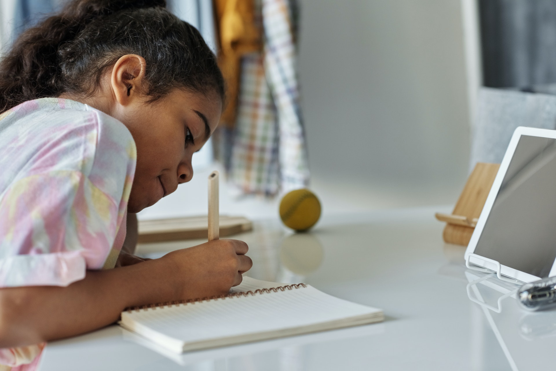 Picture of a student practicing self-reflection